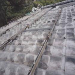太陽光発電亜鉛メッキ製架台写真1_NEW_R_R.jpg