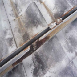 太陽光発電亜鉛メッキ製架台写真2_NEW_R_R.jpg