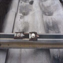 太陽光発電亜鉛メッキ製架台写真3_NEW_R_R.jpg